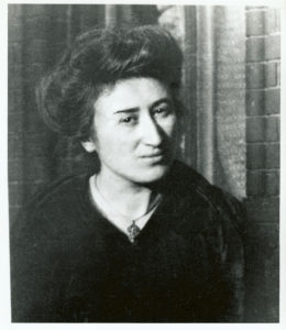 Muere asesinada Rosa Luxemburgo